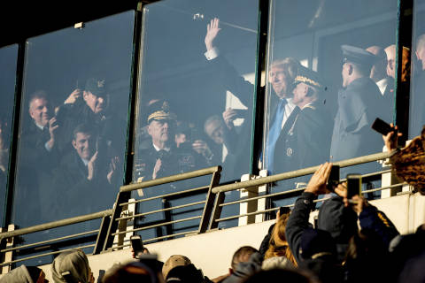 Cheers for Trump at Army-Navy game