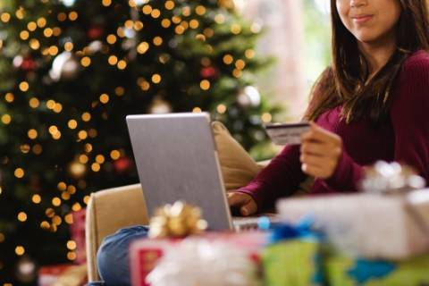 Tools to help you save online this holiday season