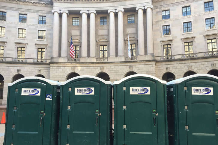 A Row Of Donu0027s Johns Portable Toilets Lined Up Near Federal Triangle In  Downtown D.C. For The Inauguration Of Donald Trump. (Courtesy Donu0027s Johns)