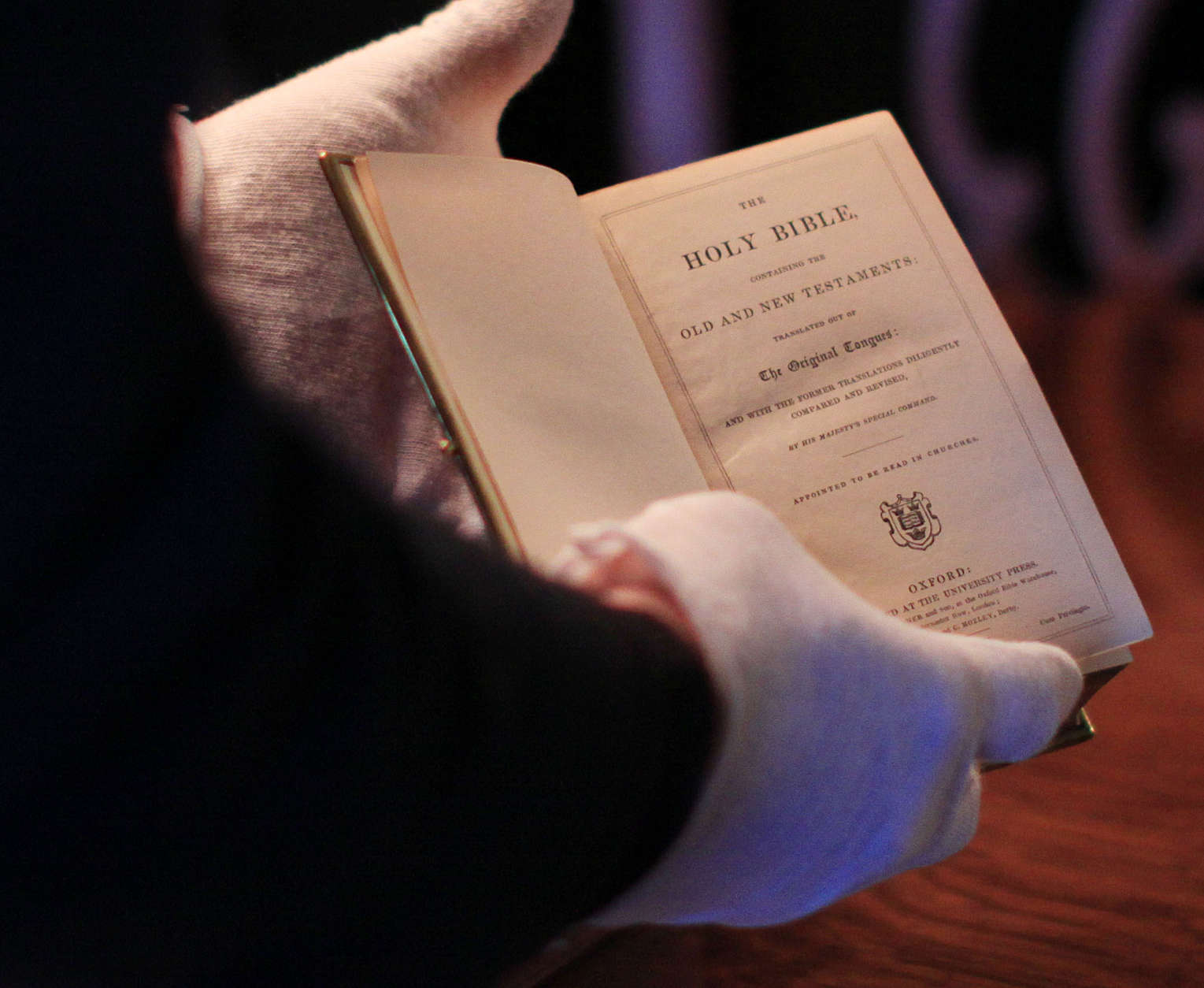 Curator Clark Evans displays the burgundy velvet, gilt-edged Lincoln Inaugural Bible at the Library of Congress Tuesday, Dec. 23, 2008, in Washington. President-elect Barack Obama will take his oath of office on the bible Jan. 20, becoming the first president to use it since Abraham Lincoln at his swearing-in on March 4, 1861. (AP Photo/Lauren Victoria Burke)