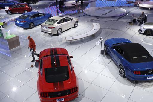 GM CEO: Won't Change Production Plans Despite Trump Tweet
