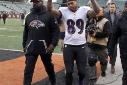 CINCINNATI, OH - JANUARY 1:  Steve Smith Sr. #89 of the Baltimore Ravens waves to fans while walking off of the field after playing his final NFL game at Paul Brown Stadium on January 1, 2017 in Cincinnati, Ohio. Cincinnati defeated Baltimore 27-10. (Photo by John Grieshop/Getty Images)