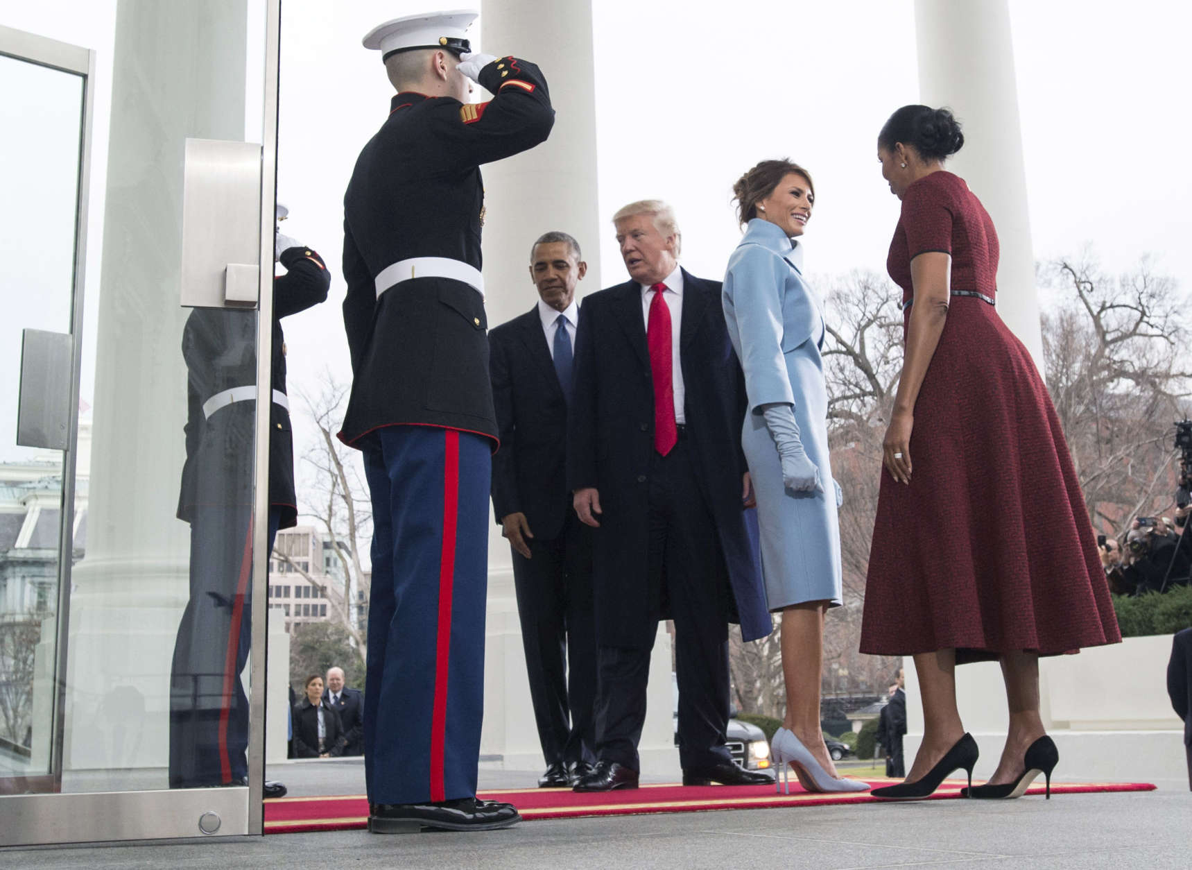 WASHINGTON, DC - JANUARY 20:  President Barack Obama and First Lady Michelle Obama welcome President-elect Donald Trump and his wife Melania Trump to the White House prior to the inauguration in Washington, D.C. on January 20, 2017. Later today Donald Trump will be sworn-in as the 45th President.  (Photo by Kevin Dietsch-Pool/Getty Images)