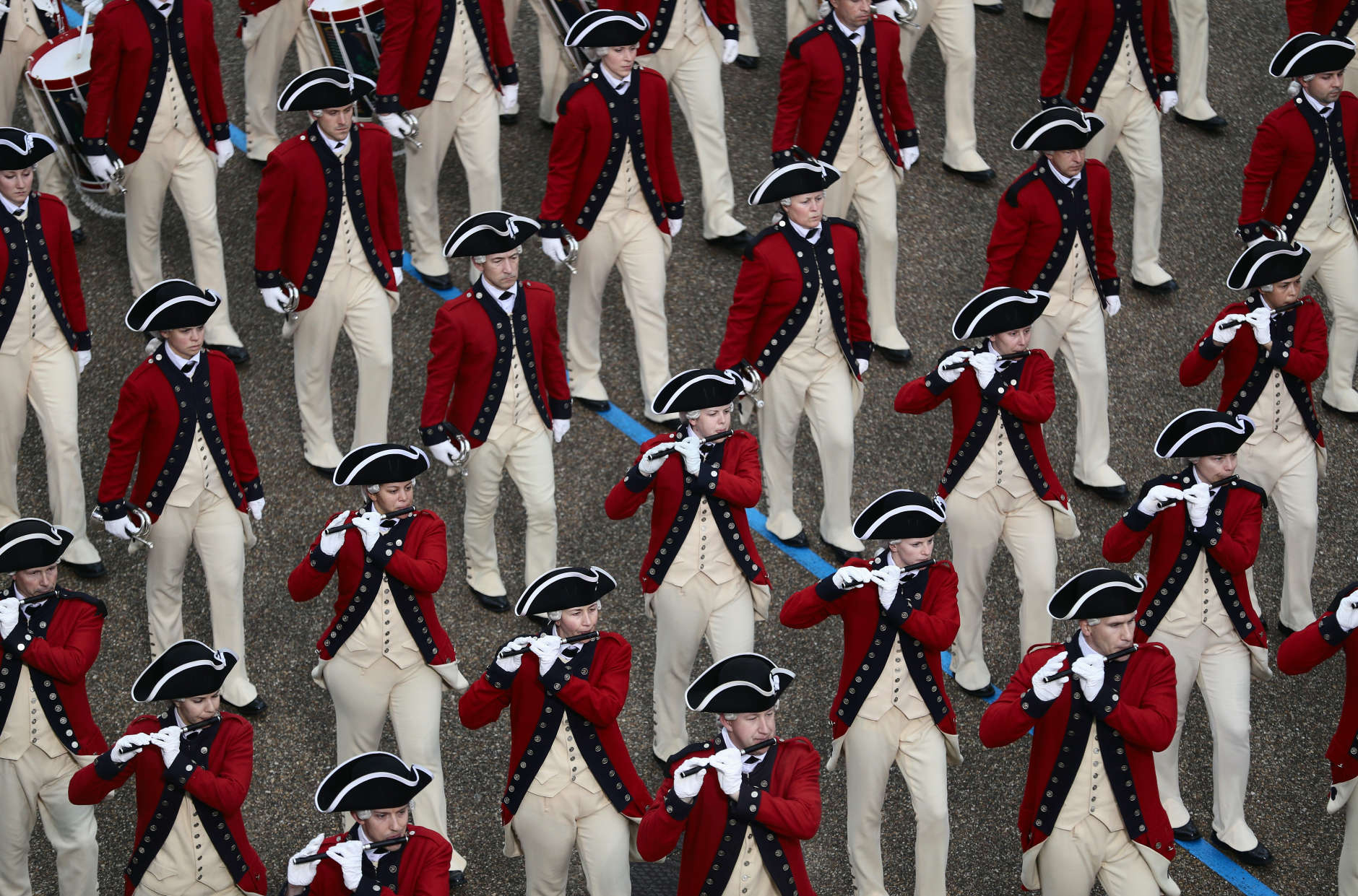 WASHINGTON, DC - JANUARY 20:  The U.S. Army Old Guard Fife and Drum Corps marches during the Inaugural Parade on January 20, 2017 in Washington, DC. Donald J. Trump was sworn in today as the 45th president of the United States.  (Photo by Joe Raedle/Getty Images)