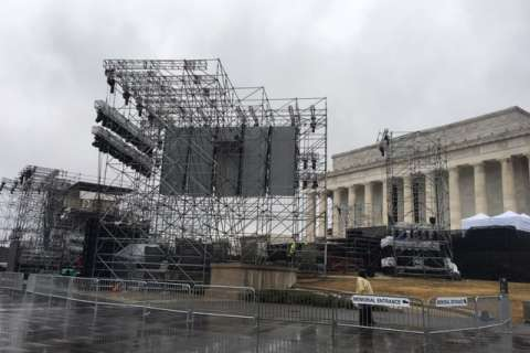 Photos: Signs of Inauguration Day prep appear on National Mall