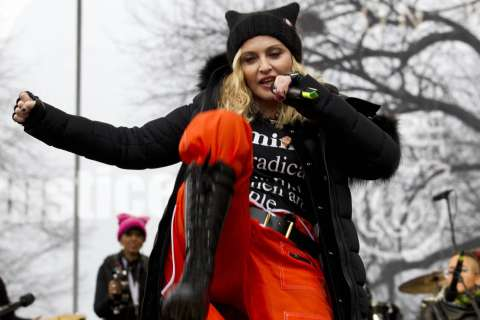 Madonna blows up Internet with remark about 'blowing up' White House
