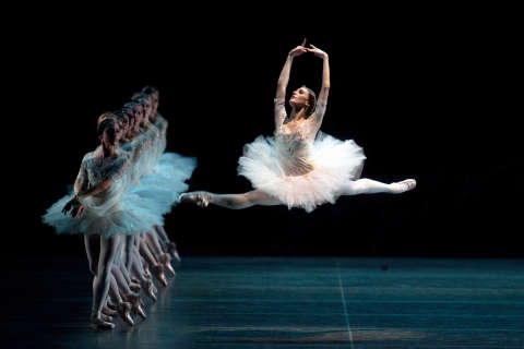 Ballerina makes lead-role debut in 'Swan Lake' at Kennedy Center