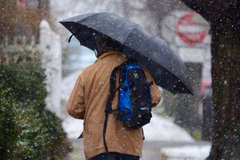 Snow to arrive Thursday night, slow Friday-morning rush