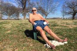 """""""This weather is amazing,"""" said Frank Allman, 79, of Mt. Vernon. He's taking advantage of it now ahead of an expected cool-down this weekend. (WTOP/Kristi King)"""