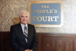 """Joseph Wapner, star of television show """"People's Court"""" on Oct. 22, 1986. A family member says Joseph Wapner, who presided over """"The People's Court"""" with steady force during the heyday of the reality courtroom show, died Feb. 26, 2017. He was 97.  (AP Photo/Galbraith)"""