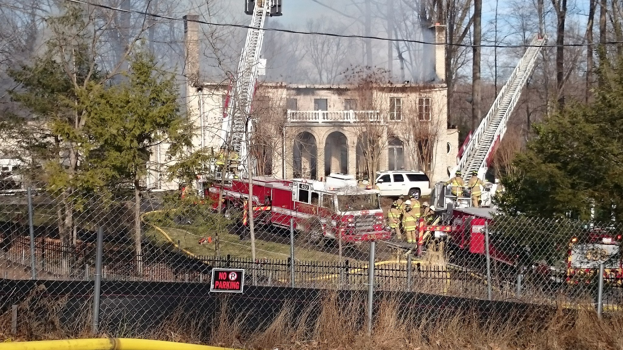 House Fire Fills Sky Over Mclean Va With Smoke Wtop