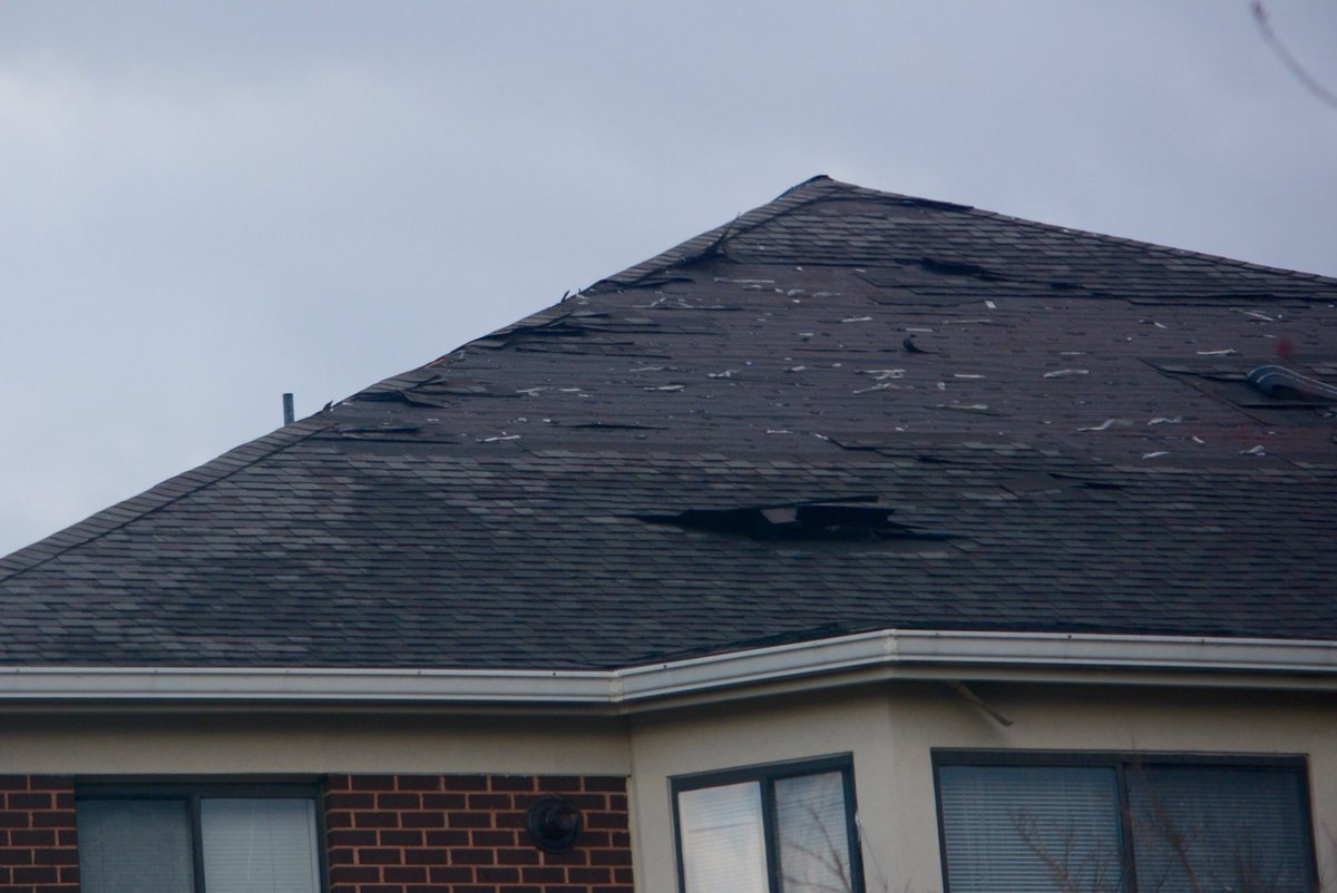 Damaged roof in Waldorf