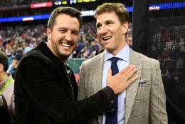 HOUSTON, TX - FEBRUARY 05:  Musician Luke Bryan and NFL player Eli Manning attend Super Bowl LI at NRG Stadium on February 5, 2017 in Houston, Texas.  (Photo by Larry Busacca/Getty Images)