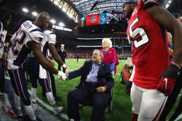 HOUSTON, TX - FEBRUARY 05:  President George H.W. Bush and Barbara Bush arrives for the coin toss prior to Super Bowl 51 between the Atlanta Falcons and the New England Patriots at NRG Stadium on February 5, 2017 in Houston, Texas.  (Photo by Al Bello/Getty Images)