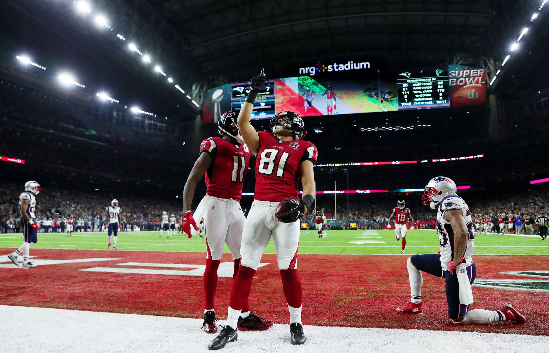 HOUSTON, TX - FEBRUARY 05:  Austin Hooper #81 of the Atlanta Falcons reacts after scoring a touchdown on a 19 yard pass against the New England Patriots in the second quarter during Super Bowl 51 at NRG Stadium on February 5, 2017 in Houston, Texas.  (Photo by Tom Pennington/Getty Images)