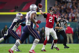 HOUSTON, TX - FEBRUARY 05:  Matt Ryan #2 of the Atlanta Falcons looks to pass against the New England Patriots during the second quarter during Super Bowl 51 at NRG Stadium on February 5, 2017 in Houston, Texas.  (Photo by Tom Pennington/Getty Images)