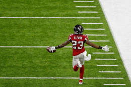 HOUSTON, TX - FEBRUARY 05:  Robert Alford #23 of the Atlanta Falcons reacts on his way to scoring a touchdown on an 82 yard interception return against the New England Patriots in the second quarter during Super Bowl 51 at NRG Stadium on February 5, 2017 in Houston, Texas.  (Photo by Bob Levey/Getty Images)