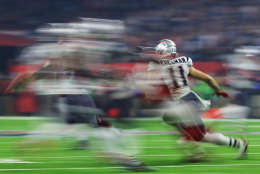 HOUSTON, TX - FEBRUARY 05:  Julian Edelman #11 of the New England Patriots runs with the ball against the Atlanta Falcons during Super Bowl 51 at NRG Stadium on February 5, 2017 in Houston, Texas.  (Photo by Mike Ehrmann/Getty Images)