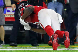 HOUSTON, TX - FEBRUARY 05: Julio Jones #11 of the Atlanta Falcons makes a catch during the fourth quarter against the New England Patriots  during Super Bowl 51 at NRG Stadium on February 5, 2017 in Houston, Texas.  (Photo by Kevin C. Cox/Getty Images)