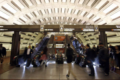 Metro makes case to local leaders for raising fares, cutting service