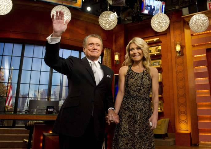 Regis Philbin Doesn't Stay in Touch With Kelly Ripa