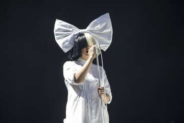 Sia announces she has a neurological disease