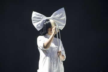 Sia announces she has a neurological disease