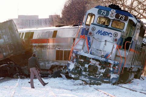 Photos: 1996 Silver Spring MARC crash
