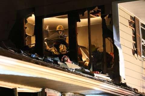 Howard Co. firefighters contain fire despite water main break