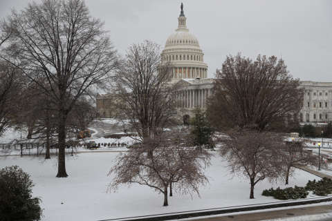 DC area's white Christmas dreams blow away. So, where will there be snow?