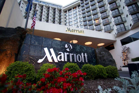 Marriott thinks hotel guests want to shop, extends mall hotel business