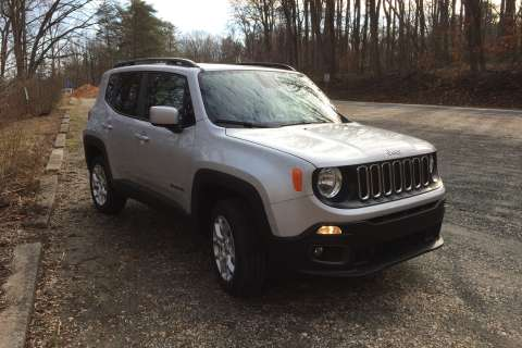 Jeep Renegade Latitude a subcompact with room