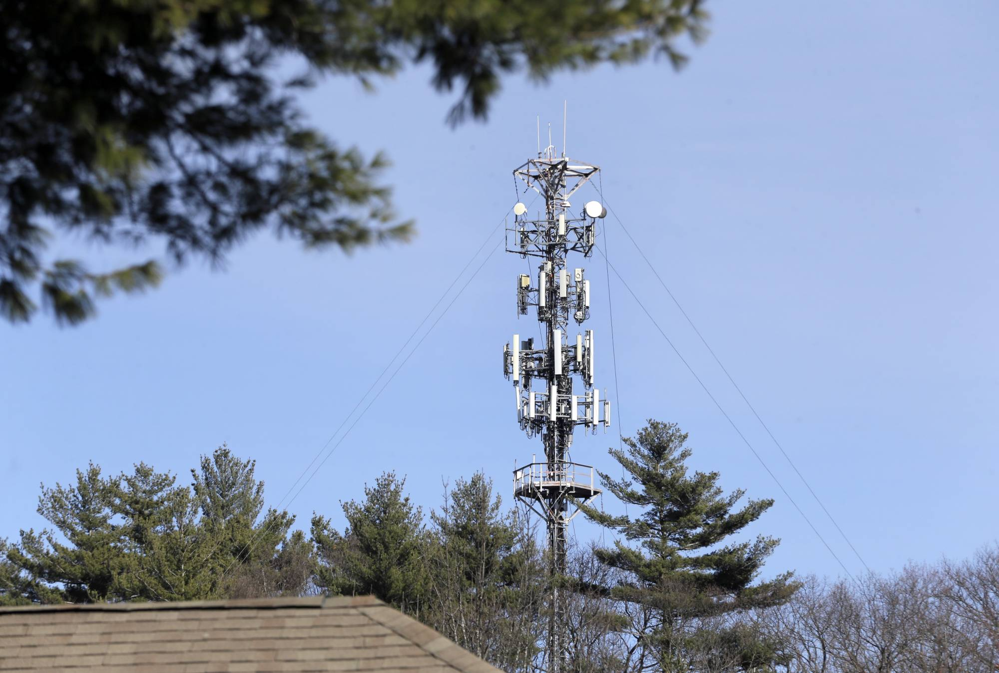 Va. bill could improve wireless access, strip locality cell tower control