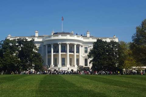 Man arrested after jumping White House fence, claiming to be Trump's friend