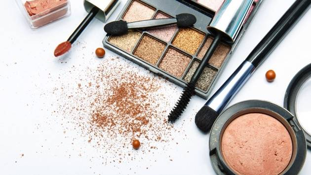 A Kansas makeup artist says she won a national contest sponsored by Kat Von D Beauty but was later disqualified because of an Instagram post supporting Donald Trump's presidential candidacy. (Thinkstock)