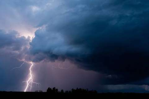 Ahead of weeklong heat wave, thunderstorms knock out power