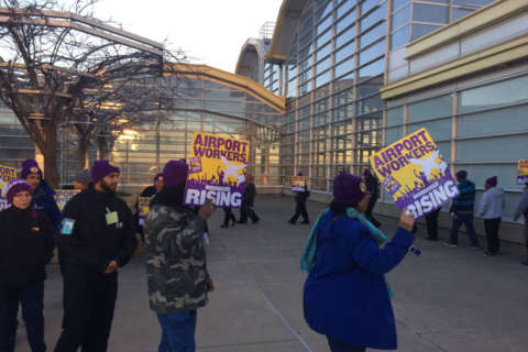 Airport workers at Reagan, Dulles getting pay bump