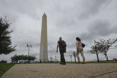 Record DC tourism, but international visitors fell