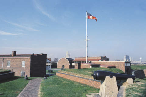 Fort McHenry park closed during partial gov't shutdown