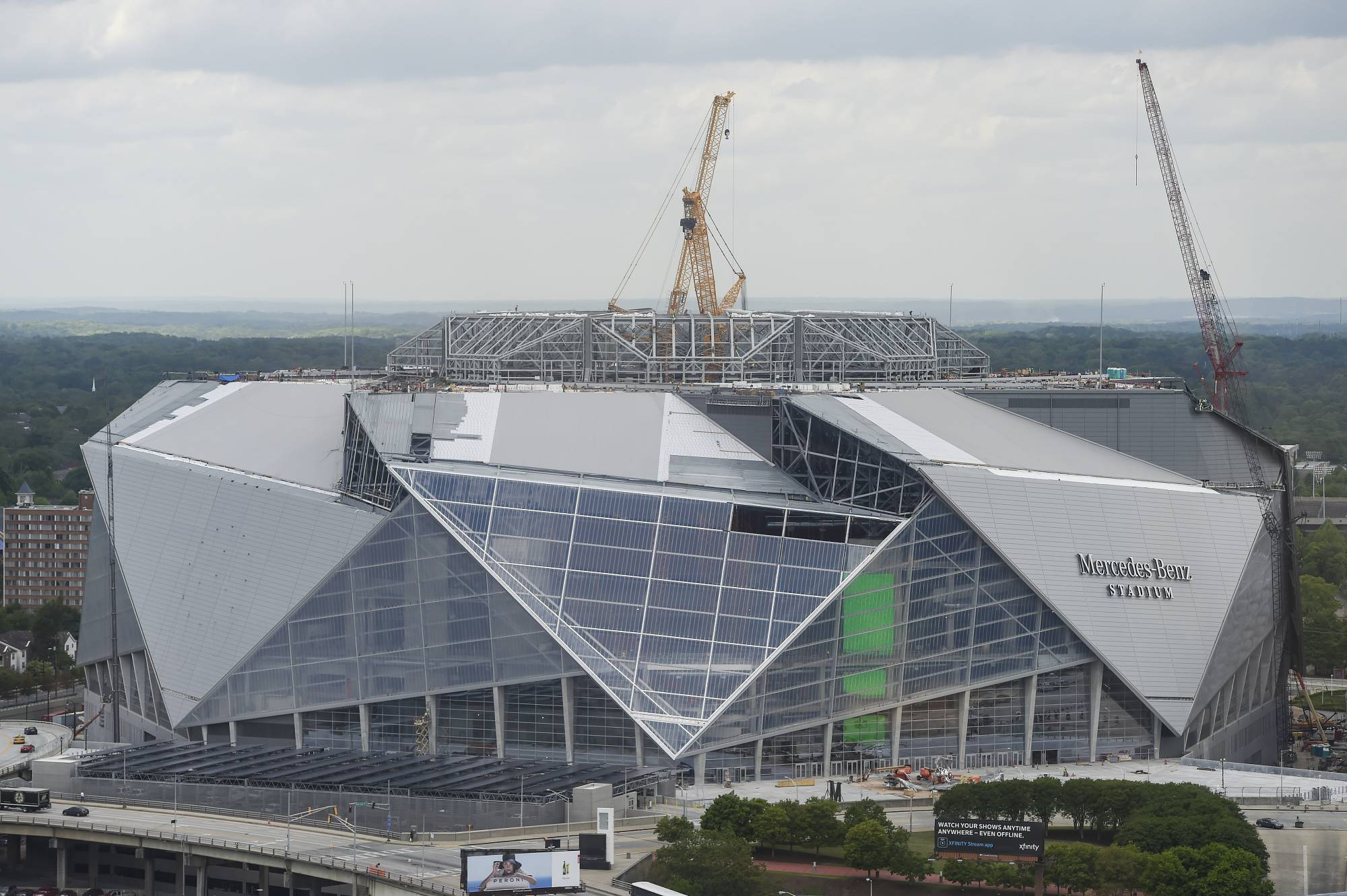 Atlanta stadium official says new facility ready in 3 for Mercedes benz stadium roof
