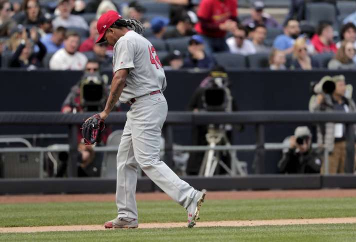 Fowler hits 1st 2 Cards HRs in 2-1 win, sweeping Pirates
