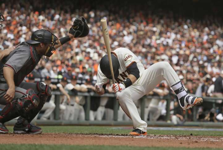 Giants' Posey 'doing good' after struck in head by pitch