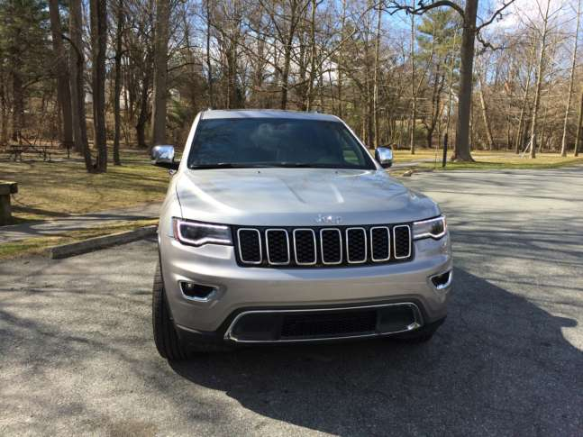 2017 jeep grand cherokee limited an on and off road capable suv wtop up front the 2017 grand cherokee has the trademark grill with those seven openings but the headlight cluster looks more sleek and smaller than it did in freerunsca Images