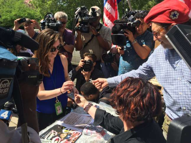Pot 'smoke-in' on Capitol grounds: 4 arrests for lighting up
