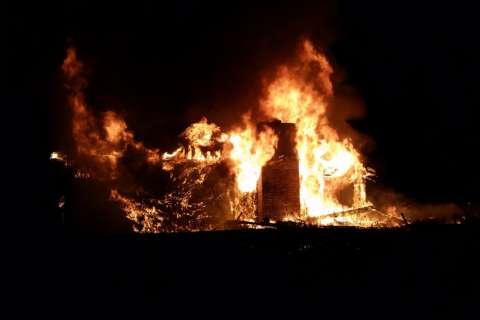 Deadly fire 'disintegrates' Annapolis home