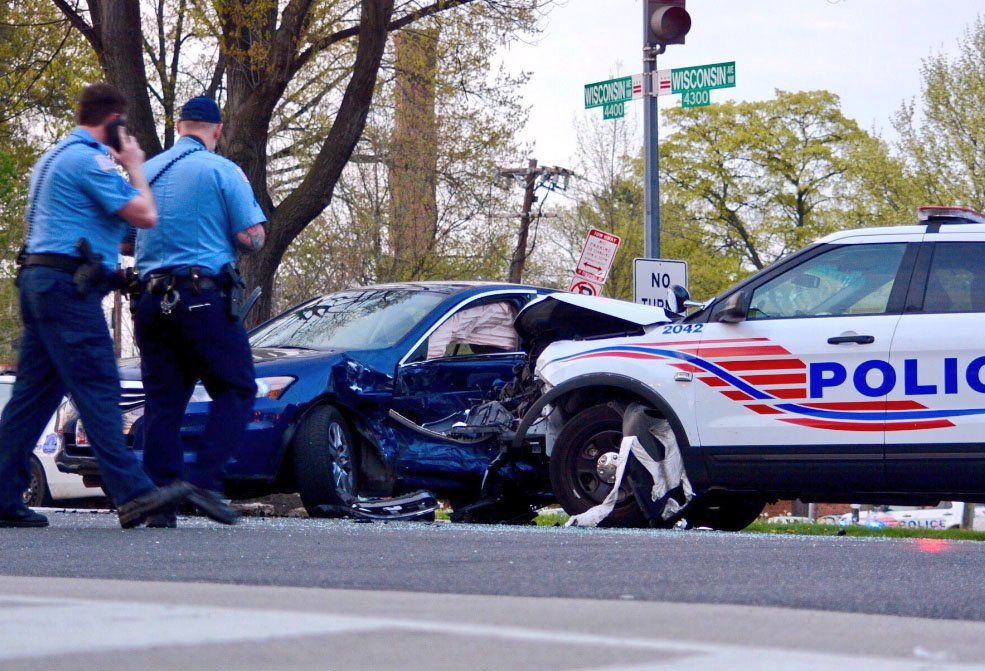 DC police cruiser crashes with another vehicle | WTOP