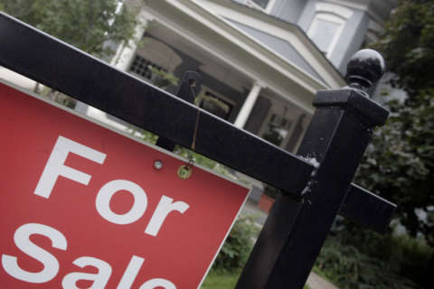 Mortgage rates tumble below 4 percent again