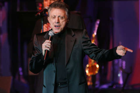 Frankie Valli croons into The Hippodrome, Warner Theatre