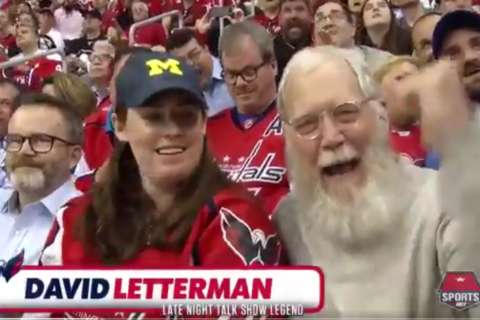 David Letterman spotted at Caps game (Video)
