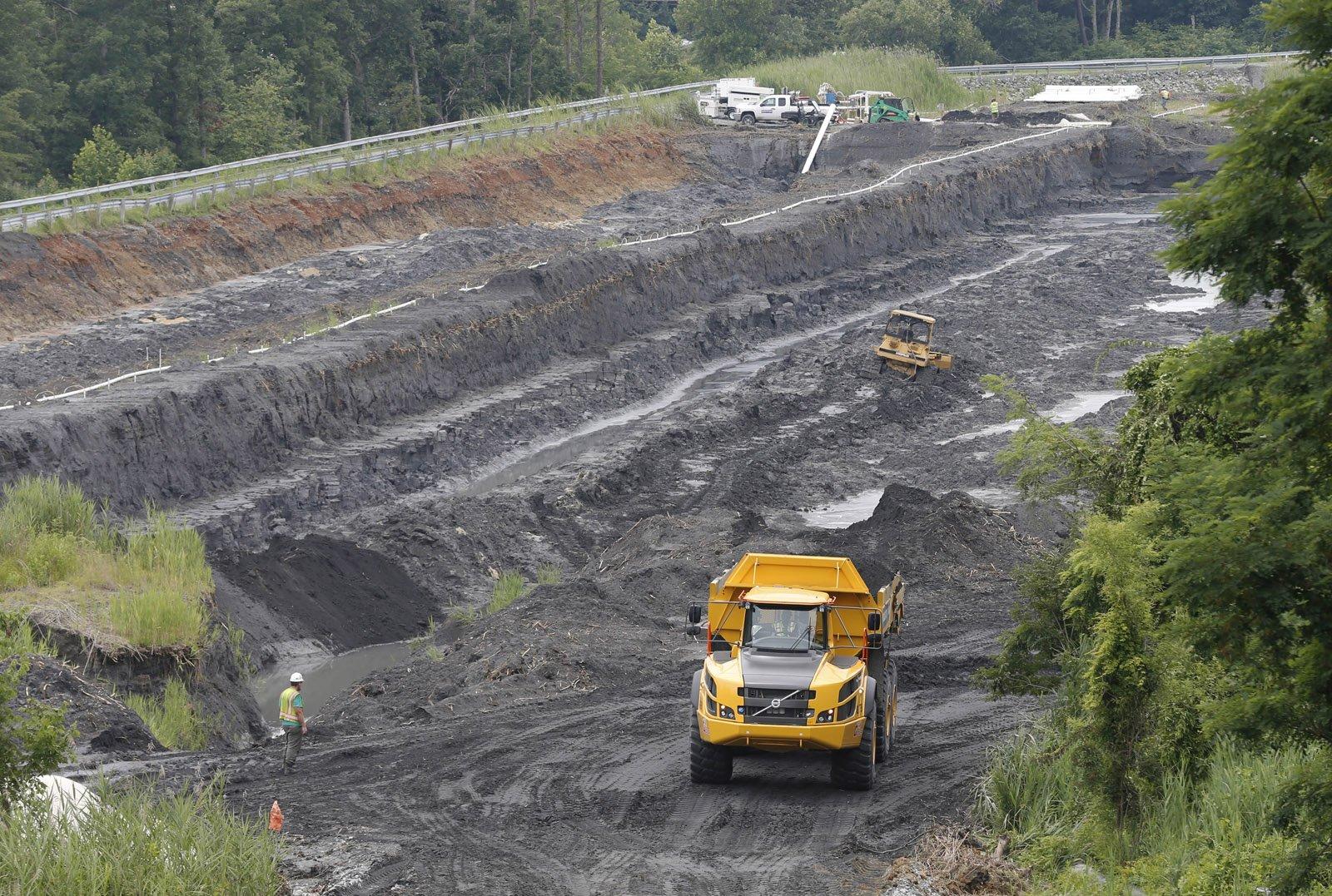 Ash From Coal ~ Va legislators to weigh in on coal ash storage permits wtop